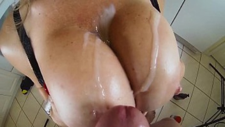 Big Tits Covered In Jizz!! Hall of Fame MILF Vicky Vette!