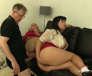 Huge Tits Anal