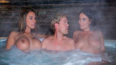Very hot models Peta Jensen, Anissa Kate and Ryan Ryder are getting pleasure