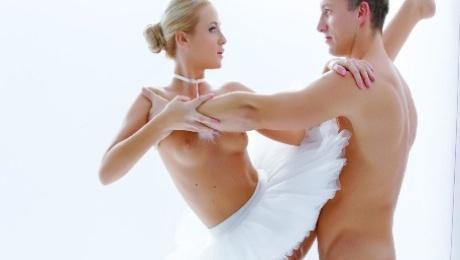 Stunning Czech blonde ballerina Vinna Reed eats cum in passionate fuck